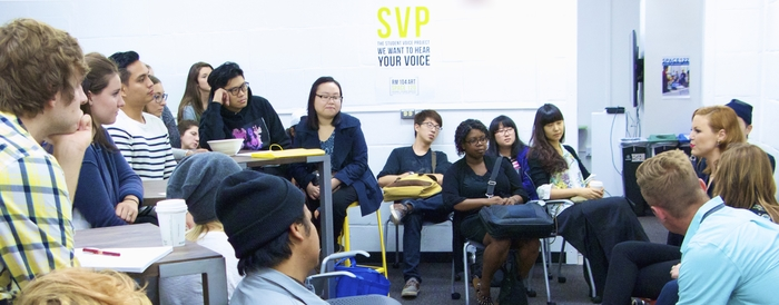 Students meet with recent alumni in Space 120